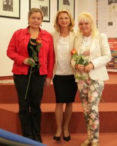 S pani Katarínou Bergerovou, riaditeľkou Petržalskej knižnice, a pani Danicou Pauličkovou, spisovateľkou a výtvarníčkou