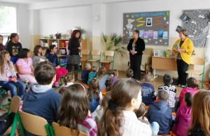 Milé privítanie, po ktorom zaspievali deti, odznela recitácia a dokonca scénka v podaní šikovných šiestakov