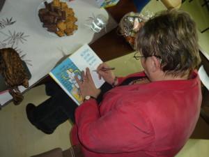 Ešte pár podpisov do kníh v školskej knižnici