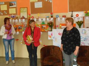 Víta ma pani riaditeľka školy Mgr. Silvia Bíziková