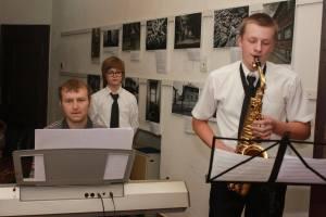 O krásny hudobný vstup sa postaral Mgr. Jozef Gödri so svojimi žiakmi. Jožko je môj bývalý študent som na neho pyšná :)