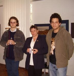 So svojimi študentmi: zľava Maťo Krnáč a Dávid Hasara