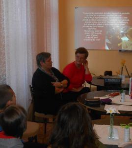 Besedovali sme v príjemnej knižnici školy. Spolu s pani zástupkyňou riaditeľa Mgr. Margitou Ivánovou