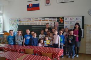 Spoločná fotka s prvákmi školy :)
